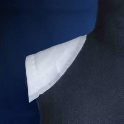 Epaulette carrure marquée